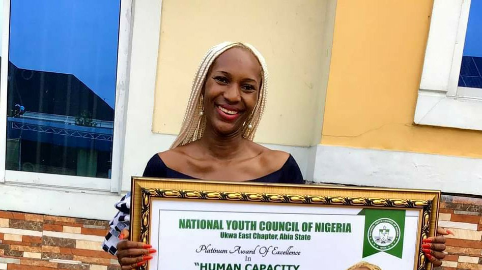 Hon. Councillor Celia Osakwe-Hibbert recieves Platinum Award of Excellence in Human Capacity Development in Imo State